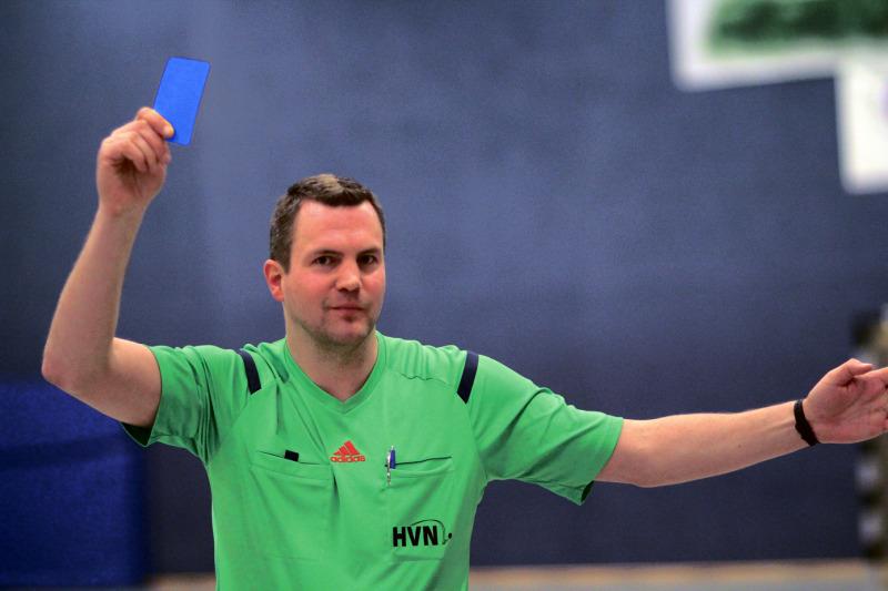 Handball Blaue Karte.Handballer Müssen Sich Auf Neue Regeln Einstellen Heidekreis